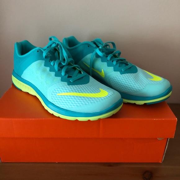 wholesale dealer 43983 f249d NIB Women s Nike FS Lite Run 3